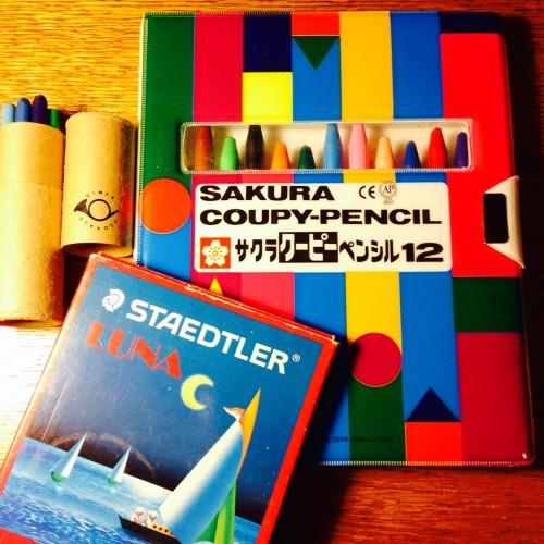 サクラクーピーペンシル、月光荘の色鉛筆、ステッドラーの水彩色鉛筆。これらをスタビロマーカーと組み合わせると、フードイラストが描きやすくなります。