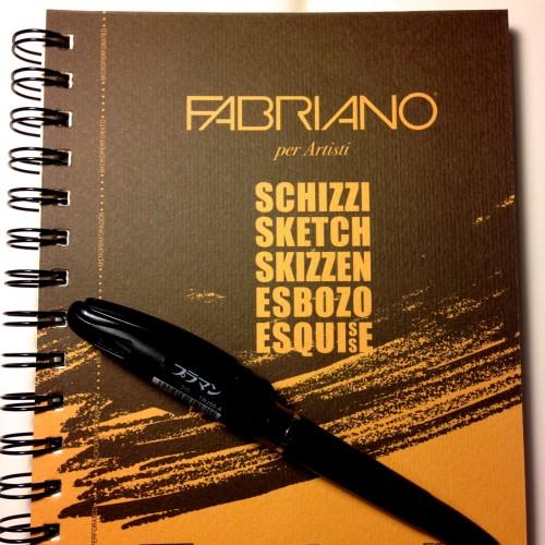 外でスケッチするにはスケッチブックが良いね!ということでヨーロッパの紙が好きな私は東急ハンズで見つけました。FABRIANOというイタリアのスケッチブック。これすごくよい。